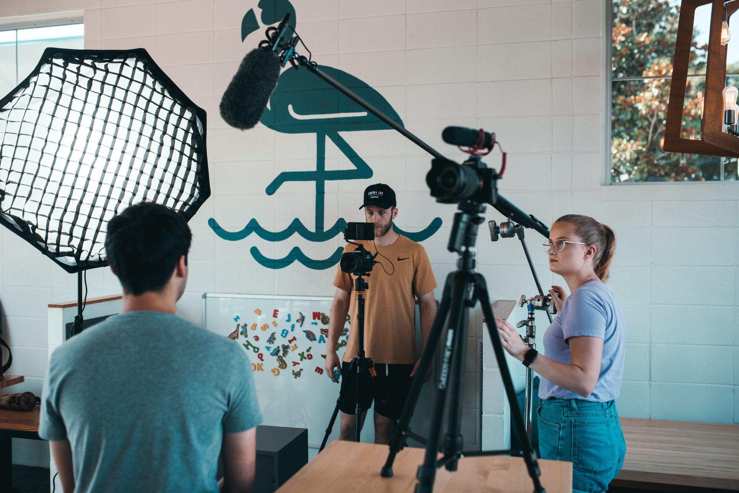 Come creare contenuti video con poco budget in 3 mosse