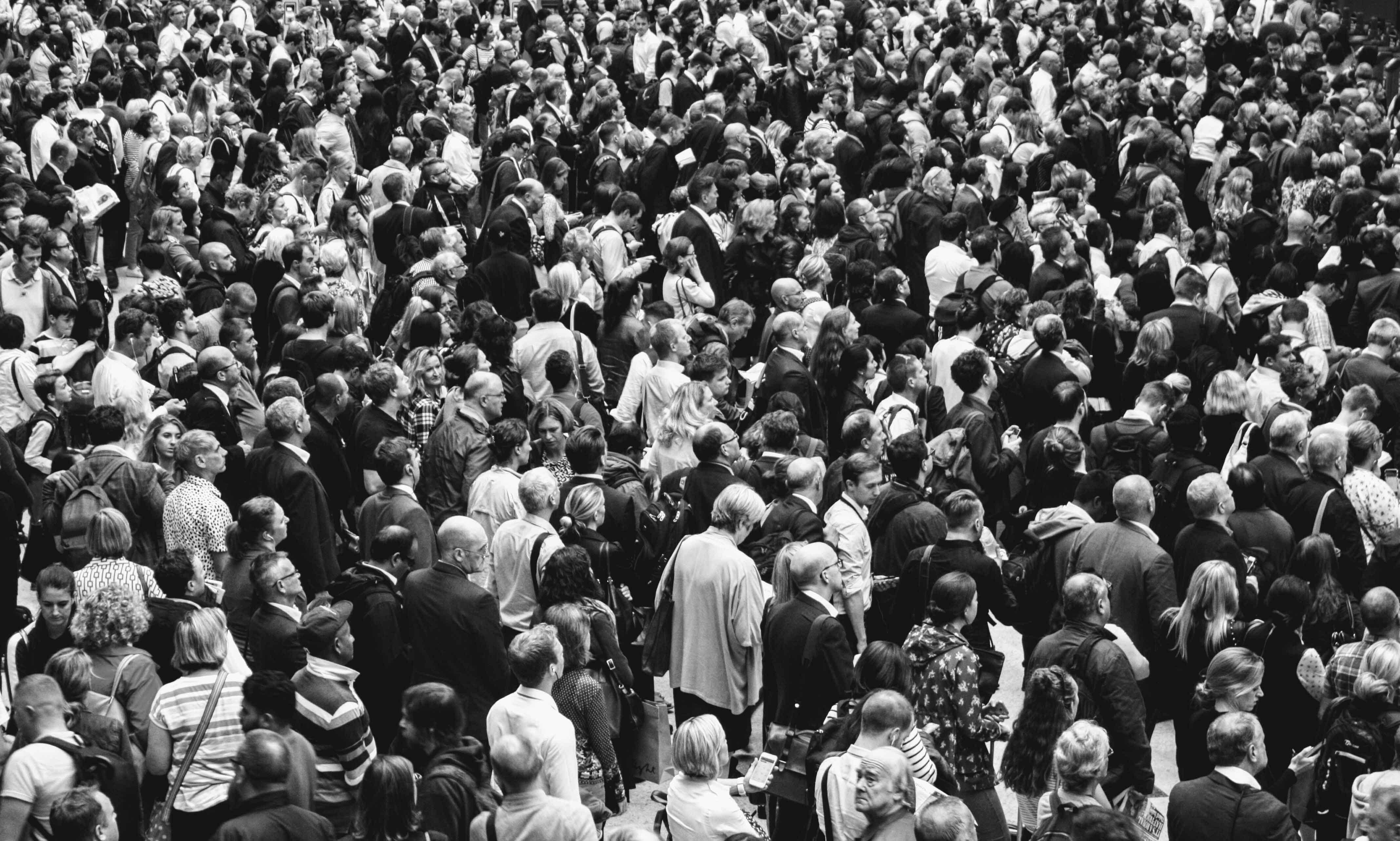 Distinguersi dalla massa: trucchi e consigli per comunicare online